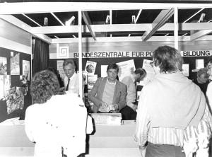 1985 Messestand auf der Frankfurter Buchmesse;(Foto: Barthel Schölgens)
