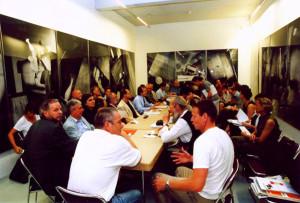 """2. August 2002 Pressekonferenz im """"Wahnzimmer"""""""