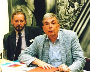 2. August 2002 Mit Bernd Lindner (links) auf der Pressekonferenz